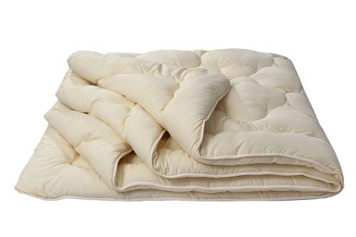 """Одеяло облегченное """"Золотое руно"""" (микрофибра) 1,5 спальный (140*205)"""
