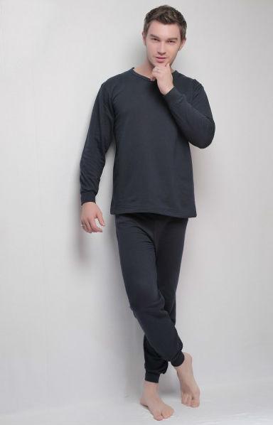 Нательное белье ГарриНательное белье<br>Зимой важно защищать свой организм от холода. Шерстяные свитера, утепленные штаны - все это на несколько месяцев становится неотъемлемой частью гардероба. Но не менее эффективной будет такая вещь, как нательное белье, которое спасет даже от самого лютого мороза. Интернет-магазин Грандсток предлагает вам отличный вариант - нательное белье Гарри.<br>Изделие изготовлено из футера - натуральной хлопковой ткани, которая отличается особой мягкостью. Она приятна к телу, гипоаллергенна и, самое главное, отлично сохраняет тепло. Белье состоит из двух предметов: кофты и брюк. Стоит отметить манжеты на резинках, благодаря которым рукава и брючины не задираются и не вызывают дискомфорта. Однотонная расцветка отлично подходит для данного вида изделия.<br>Позаботьтесь о своем здоровье и приобретите нательное белье Гарри. Вы получите вещь отличного качества по очень выгодной цене. Размер: 50<br><br>Принадлежность: Мужская одежда<br>Основной материал: Футер<br>Страна - производитель ткани: Узбекистан<br>Вид товара: Одежда<br>Материал: Футер<br>Состав: 100% хлопок<br>Длина: 19<br>Ширина: 17<br>Высота: 9<br>Размер RU: 50