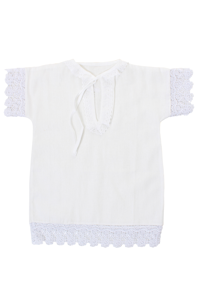 Рубашка крестильная Одуванчик (бязь)Крестильные наборы<br>Одна из самых важных вещей, о которой стоит позаботиться перед крещением своего малыша, - это крестильная одежда. Но поиск и покупка таковой не займет у вас много времени, потому что найти ее можно у нас. <br>Одна из имеющихся моделей одежды для крещения ребенка - это рубашка Одуванчик! Данная рубашка сшита из легкой бязи белого цвета, она украшена кружевной тесьмой на горловине, рукавах и подоле. Модель Одуванчик также имеет среднюю длину, а предназначена она для девочек младенческого возраста.<br>Поверьте, что в данной рубашке малышка будет выглядеть лучше всех, а также чувствовать себя максимально комфортно!<br><br>Высота: 2