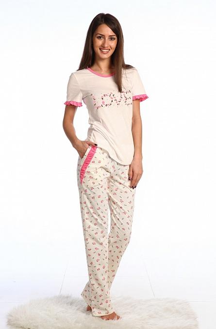 Пижама женская ЛевантеПижамы<br>Любительницы классических комплектов для сна обязательно оценят женскую пижаму Леванте, выдержанную в лучших традициях.<br>Мягкие и легкие штаны с футболкой позволят комфортно чувствовать себя, независимо от времени года. Тонкая кулирка сочетает в себе сравнительно невысокую плотность вместе с прочностью и износостойкостью. Такая ткань хорошо пропускает воздух, обладает оптимальной гигроскопичностью, легко стирается, быстро сохнет, не деформируется, не вытягивается и не нуждается в специфическом уходе.<br>Среди особенностей пижамы Леванте - обширный размерный ряд и доступная цена. Размер: 44<br><br>Принадлежность: Женская одежда<br>Основной материал: Кулирка<br>Страна - производитель ткани: Россия, г. Иваново<br>Вид товара: Одежда<br>Материал: Кулирка<br>Тип застежки: Без застежки<br>Состав: 100% хлопок<br>Длина рукава: Короткий<br>Длина: 19<br>Ширина: 17<br>Высота: 9<br>Размер RU: 44