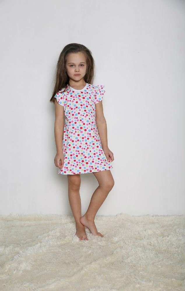 Сорочка НикаСорочки<br>Легкая и непринужденная детская сорочка Ника для дошкольников - выбор заботливых родителей, которые стремятся окружить любимое чадо только качественными, удобными и надежными вещами.<br>Сорочка пошита из кулирки, известной тонким плетением, легкостью и воздушностью в сочетании с прочностью и износостойкостью. такая одежда не линяет и не пачкается, легко переносит многократные стирки, не растягивается и не деформируется при постоянной носке. Для детей немаловажна абсолютная гипоаллергенность и безопасность материала.<br>Сорочка Ника - настоящая находка, которая непременно порадует юных модниц и приятно удивит внимательных родителей. Размер: 32<br><br>Производство: Закупается про запас<br>Принадлежность: Детская одежда<br>Возраст: Дошкольник (1-6 лет)<br>Пол: Девочка<br>Основной материал: Кулирка<br>Страна - производитель ткани: Россия, г. Иваново<br>Вид товара: Детская одежда<br>Материал: Кулирка<br>Длина: 18<br>Ширина: 12<br>Высота: 7<br>Размер RU: 32