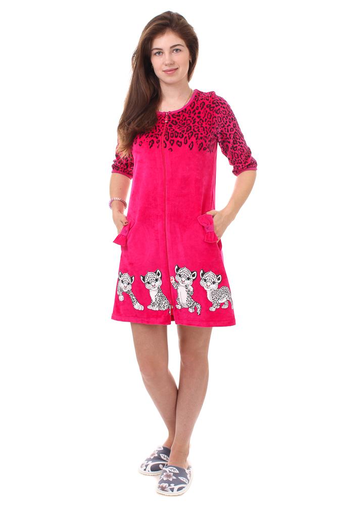 Халат женский АнсиТеплые халаты<br>Нет расцветки изысканнее, чем леопардовая. Благодаря ей женские вещи выглядят привлекательнее, приобретают элегантность, даже если это - простой домашний халат.<br>И вы можете убедиться в этом, взглянув на женский домашний халат Анси! Оригинальность и неповторимость его расцветки заключается в том, что из классического леопардового принта она плавно переходит к забавному рисунку в виде крошек-леопардов. Халат имеет укороченный фасон, застегивается на молнию, имеет рукава 3/4 и два боковых кармана.<br>В домашнем халате Анси есть все, чтобы вы чувствовали себя свободно и привлекательно одновременно!<br> Размер: 54<br><br>Принадлежность: Женская одежда<br>Основной материал: Велюр<br>Страна - производитель ткани: Россия, г. Иваново<br>Вид товара: Одежда<br>Материал: Велюр<br>Сезон: Зима<br>Тип застежки: Молния<br>Длина рукава: Средний<br>Длина: 30<br>Ширина: 20<br>Высота: 11<br>Размер RU: 54