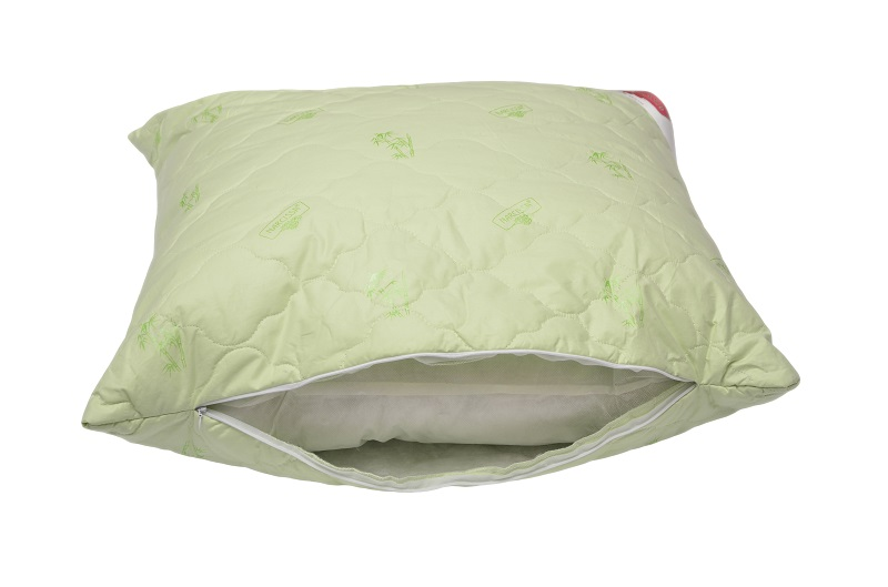 Подушка на молнии Темная ночь (бамбук, тик) 70*70Бамбук<br>От грамотного выбора принадлежностей для спальни зависит комфортный и здоровый сон. Для обустройства места для отдыха не существует мелочей. Это постельное белье, матрасы, одеяла и подушки.<br>Подушка на молнии Темная ночь из бамбука и тика - удобное, практичное и экологичное решение. Гипоаллергенная и универсальная, она подойдет даже для детской. Она проста в уходе, неприхотлива при использовании и долговечна. Среди других ее преимуществ - доступная цена и наличие разных размеров.<br>Подушка Темная ночь удобна в эксплуатации благодаря молнии. Она позволит хорошо отдохнуть, полностью расслабиться и набраться сил перед новым непростым днем.<br>Купить подушку из бамбука недорого можно в любое время. <br>Размер:<br>50х70<br>70х70<br>40х60 Размер: 70*70<br><br>Принадлежность: Для дома<br>По назначению: Повседневные<br>Наполнитель: Бамбуковое волокно<br>Основной материал: Тик<br>Страна - производитель ткани: Россия, г. Иваново<br>Вид товара: Одеяла и подушки<br>Материал: Тик<br>Длина: 49<br>Ширина: 33<br>Высота: 20<br>Размер RU: 70*70