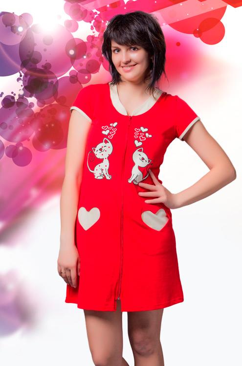Халат женский ПоцелуйЛегкие халаты<br>Милые девушки, спешим вас обрадовать: теперь в домашней одежде вы будете выглядеть как минимум в десять раз ярче и красивее, а все это из-за стильного молодежного халата Поцелуй!<br>Название модели полностью соответствует ее дизайну, потому что она выполнена в насыщенной красной расцветке, украшена печатью влюбленных кота и кошки, а карманы имеют интересный вход, выполненный в форме сердца.<br>При этом женский домашний халат Поцелуй имеет удобный фасон с короткими рукавами, а застегивается он на молнию по всей длине изделия, чтобы вы носили его с еще большим удовольствием!<br>  Размер: 50<br><br>Высота: 9<br>Размер RU: 50