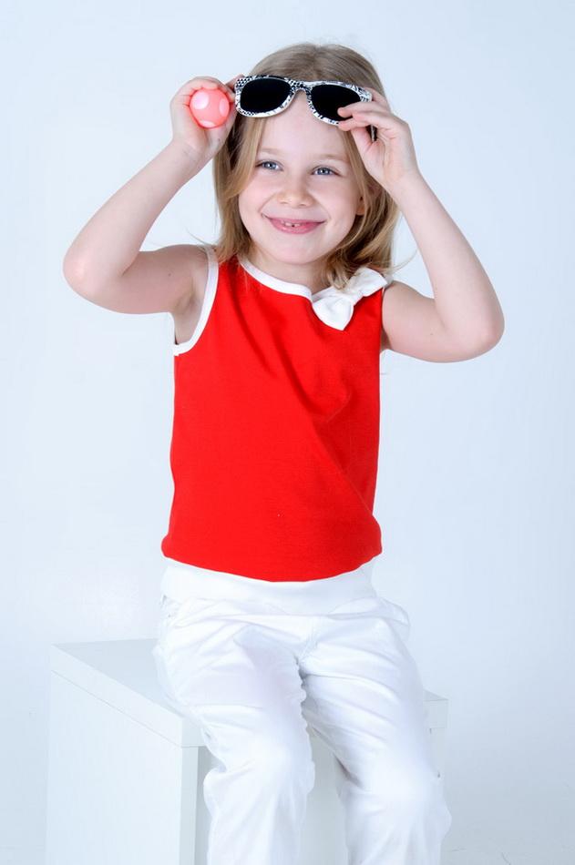Топ СерафимаМаечки<br>Размер: 34<br><br>Принадлежность: Детская одежда<br>Возраст: Дошкольник (1-6 лет)<br>Пол: Девочка<br>Основной материал: Интерлок<br>Страна - производитель ткани: Россия, г. Иваново<br>Вид товара: Детская одежда<br>Материал: Интерлок<br>Длина: 18<br>Ширина: 12<br>Высота: 2<br>Размер RU: 34