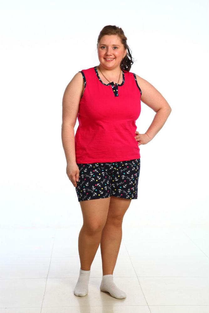 Пижама женская НораПижамы<br>У любой женщины иногда возникает желания скинуть с себя облки сильной и роскошной обольстительницы, и облачиться в простую пижамку с яркой веселой расцветкой &amp;amp;mdash; например, в такую, как модель Нора.<br>Благодаря удачному фасону - чуть приталенной маечке на широких бретелях и в меру коротким шортикам &amp;amp;mdash; ваша фигура в пижаме будет выглядеть очень привлекательно. Кроме того, данная пижама действительно обладает очень симпатичным и даже милым дизайном: шортики с симпатичным рисунком и майка, выполненная в однотонной расцветке, с окантовкой в цвет шорт.<br>А сшита модель Нора из мягкого хлопкового материала, кулирки, который не вызывает раздражения и хорошо переносит стирки, поэтому носить эту милую пижамку вы будете долго, не имея повода для разочарования. Размер: 48<br><br>Принадлежность: Женская одежда<br>Основной материал: Кулирка<br>Страна - производитель ткани: Россия, г. Иваново<br>Вид товара: Одежда<br>Материал: Кулирка<br>Тип застежки: Без застежки<br>Состав: 100% хлопок<br>Длина рукава: Без рукава<br>Длина: 18<br>Ширина: 12<br>Высота: 7<br>Размер RU: 48