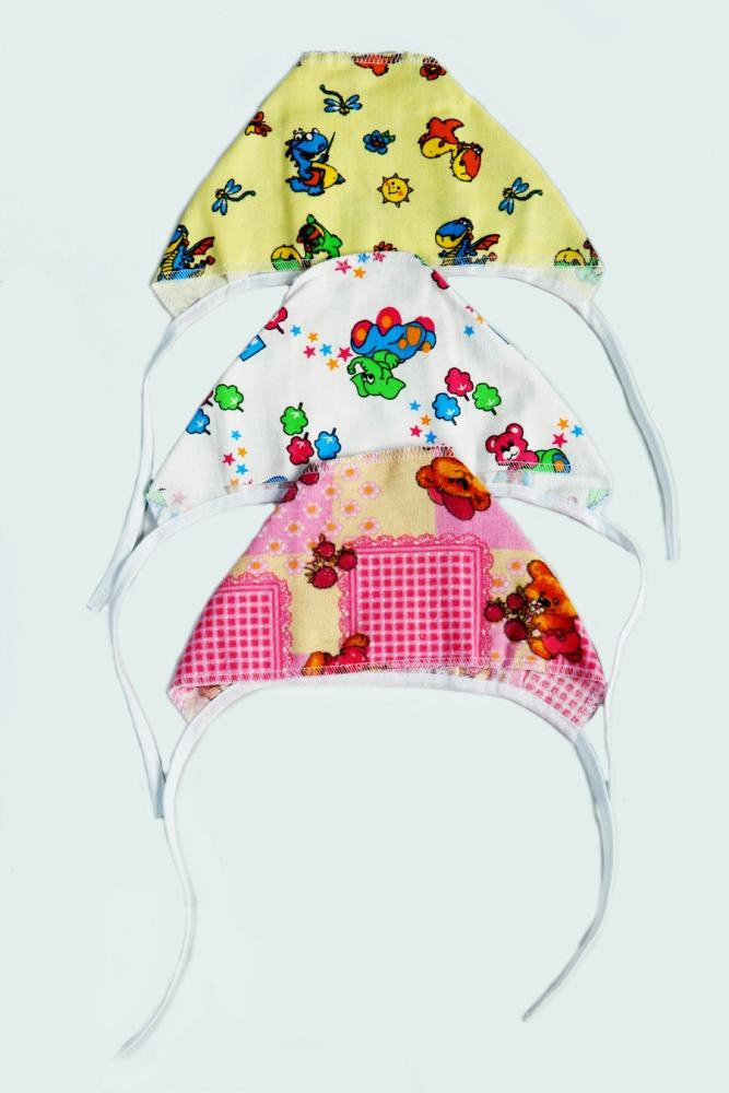 Чепчик детский Забава (фланель) 22Чепчики и шапочки<br>Определиться с расцветкой Вы можете здесь<br>Гардероб новорожденного требует комплексного и внимательного подхода. Заботливые родители знают, что долгожданное чадо не обойдется и без такой полезной и практичной вещи, как чепчик детский Забава из фланели.<br>Основная задача чепчика - защита головки ребенка, предотвращение переохлаждения или перегрева, поддержка здоровой терморегуляции, которая еще недостаточно выработана у новорожденного. Теплая фланель мягка и приятна телу. Она хорошо согревает, но при этом не парит и позволяет коже дышать.<br>Детские чепчики Забава представлены в разных ярких расцветках и размерах, а доступная стоимость позволяет легко приобрести необходимое количество вещей. Размер: 22<br><br>Производство: Закупается про запас<br>Принадлежность: Детская одежда<br>Возраст: Младенец (0-12 месяцев)<br>Пол: Унисекс<br>Основной материал: Фланель<br>Страна - производитель ткани: Россия, г. Иваново<br>Вид товара: Детская одежда<br>Материал: Фланель<br>Состав: 100% хлопок<br>Длина: 5<br>Ширина: 5<br>Высота: 3<br>Размер RU: 22