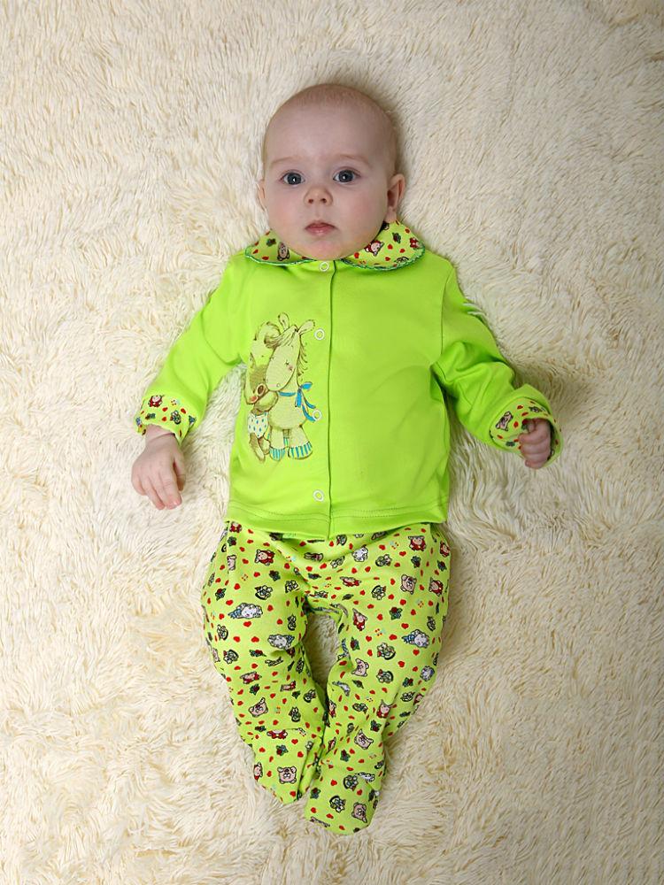 Костюм МасяняКостюмы и комплекты<br>Детской одежды никогда не бывает много, наоборот, ее почему-то всегда оказывается очень мало: либо ребенок быстро вырастает из нее, либо так же быстро изнашивает. Поэтому у мамы очень часто возникает необходимость в качественной, но недорогой детской одежде.<br>Костюмчик Масяня - это самый яркий пример недорогой и качественной одежды для ребенка. Он предназначен для новорожденных малышей до одного года и состоит из ползунков и кофточки, выполненных в очень милом дизайне. Кофточка и ползунки сшиты из плотной хлопковой ткани, интерлока.<br>Комплект необязательно носить целиком: кофточку и ползунки можно сочетать с другими вещичками, с которыми они будет смотреться так же хорошо! Размер: 18<br><br>Принадлежность: Детская одежда<br>Возраст: Младенец (0-12 месяцев)<br>Пол: Девочка<br>Основной материал: Интерлок<br>Страна - производитель ткани: Россия, г. Иваново<br>Вид товара: Детская одежда<br>Материал: Интерлок<br>Длина: 18<br>Ширина: 12<br>Высота: 2<br>Размер RU: 18