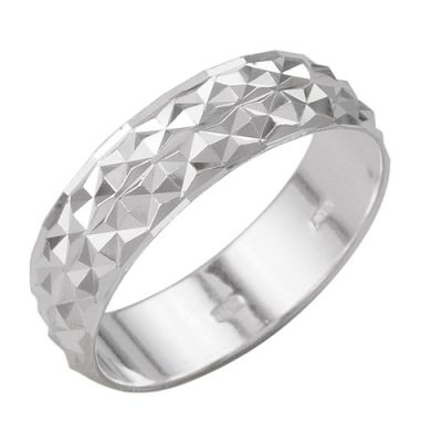 Кольцо серебряное 2301444б2Серебряные кольца<br>Артикул  2301444б2<br>Вес  3,10<br>Покрытие  без покрытия<br>Размерный ряд  16,5; 17,0; 17,5; 18,0; 18,5; 19,0; 19,5;  Размер: 18<br><br>Принадлежность: Драгоценности<br>Основной материал: Серебро<br>Страна - производитель ткани: Россия, г. Приволжск<br>Вид товара: Серебро<br>Материал: Серебро<br>Вес: 3,10<br>Покрытие: Без покрытия<br>Проба: 925<br>Вставка: Без вставки<br>Габариты, мм (Длина*Ширина*Высота): 22*6<br>Длина: 5<br>Ширина: 5<br>Высота: 3<br>Размер RU: 18