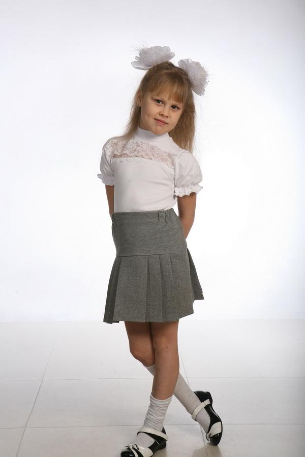 Блузка детская Кружевница (короткий рукав)Блузки<br>Размер: 34<br><br>Принадлежность: Детская одежда<br>Возраст: Подростковый возраст (11-17 лет)<br>Пол: Девочка<br>Основной материал: Интерлок<br>Вид товара: Детская одежда<br>Материал: Интерлок<br>Длина: 18<br>Ширина: 12<br>Высота: 2<br>Размер RU: 34