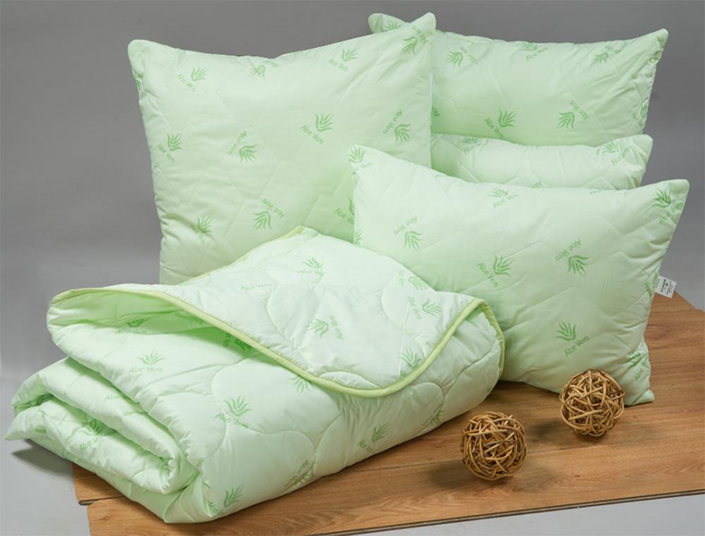 Подушка на молнии Премиум (алоэ-вера, тик) 50*70Алоэ-вера<br>Выбирая простые, износостойкие, практичные и недорогие спальные принадлежности, непременно обратите внимание на подушку Премиум на молнии из тика с алоэ-вера.<br>Пропитка алоэ обеспечивает естественные антисептические, бактерицидные и целебные свойства, заодно отлично увлажняя. Таким образом формируется идеальный микроклимат, благоприятно влияющий на состояние кожи. Подушки исключительно антиаллергенны, помогают расслабиться и даже снимают головные боли.<br>Доступная цена подушек Премиум позволяет сразу обзавестись ими в нужном для комфортного отдыха количестве, чтобы не тратить на их приобретение время в будущем. Размер: 50*70<br><br>Уход за вещами: Стирка запрещена, только химчистка<br>Принадлежность: Для дома<br>По назначению: Повседневные<br>Наполнитель: Алоэ-вера<br>Основной материал: Тик<br>Страна - производитель ткани: Россия, г. Иваново<br>Вид товара: Одеяла и подушки<br>Материал: Тик<br>Сезон: Круглогодичный<br>Длина: 49<br>Ширина: 30<br>Высота: 24<br>Размер RU: 50*70