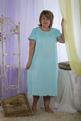Ночная сорочка СорентоСорочки и ночные рубашки<br>Легкая, свободная и невероятно красивая - именно такой и должна быть ночная сорочка, в которой бы хотелось спать каждую ночь, и это - женская ночная сорочка Соренто, представленная в нашем каталоге текстиля для всей семьи.<br>Данная сорочка имеет удлиненный фасон с прямым кроем и короткими рукавами, она выполнена в нежном голубом цвете. А материал, из которого сшита ночная сорочка Соренто, - это кулирка, состоящая из натурального хлопкового волокна.<br>Данная женская сорочка имеет большой размерный ряд, а приобрести ее вы можете на сайте интернет-магазина по очень привлекательной цене!  Размер: 56<br><br>Принадлежность: Женская одежда<br>Основной материал: Матвайс<br>Страна - производитель ткани: Россия, г. Иваново<br>Вид товара: Одежда<br>Материал: Матвайс<br>Длина рукава: Короткий<br>Длина: 18<br>Ширина: 12<br>Высота: 7<br>Размер RU: 56