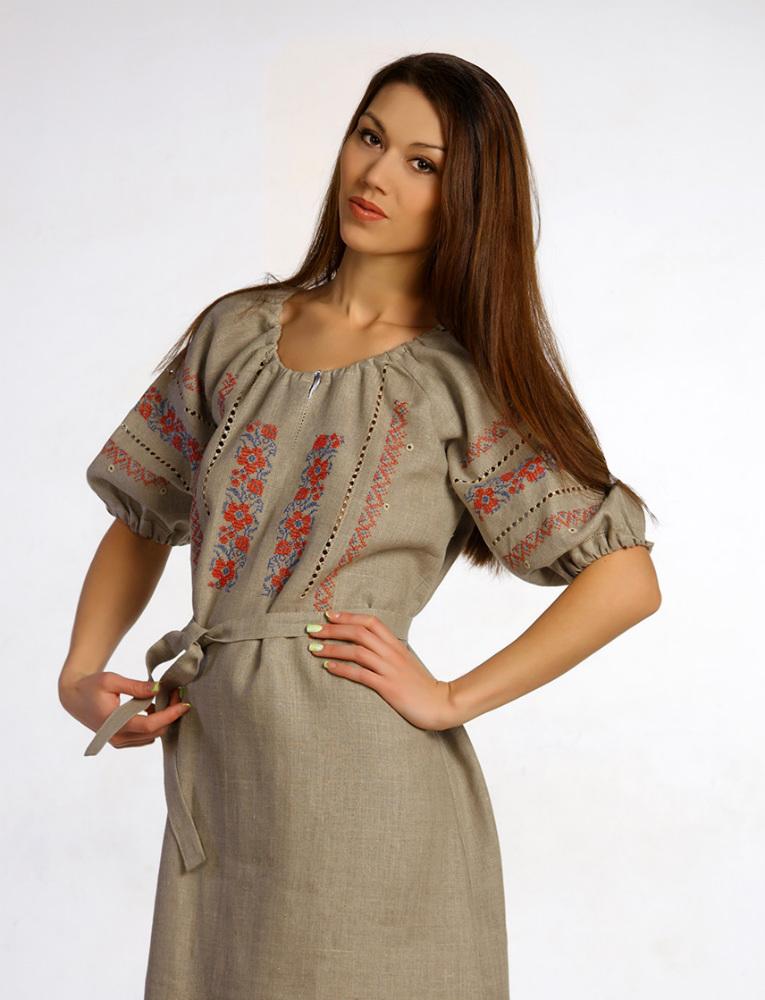 Платье льняное с вышивкой Василиса (большемерка)Платья<br>Лето - это время легкой и простой одежды, такой, как женское платье Василиса.   Одно из достоинств данной модели вы заметите в том, что она сшита из натурального льняного полотна, которое обладает такими свойствами, как высокая воздухопроницаемость и экологичность, а потому она точно будет комфортна во время носки. Более того, данное женское платье имеет полуприлегающий силуэт, который позволит вам двигаться безо всяких стеснений.   Не меньше, чем качество женского платья Василиса, вам понравится и его необычный и достаточно оригинальный дизайн, который выполнен в русско-народном стиле.   Данный вид товара является большемеркой. Например:<br>- если вы носите 44 размер, то по данному товару вам нужно выбрать 42 размер<br>- если вы носите 48 размер, то по данному товару вам нужно выбрать 46 размер и т.д. Учитывайте это при выборе размера. Размер: 44<br><br>Принадлежность: Женская одежда<br>Основной материал: Лен<br>Страна - производитель ткани: Россия, г. Пучеж<br>Вид товара: Одежда<br>Материал: Лен<br>Длина рукава: Средний<br>Длина: 18<br>Ширина: 12<br>Высота: 7<br>Размер RU: 44