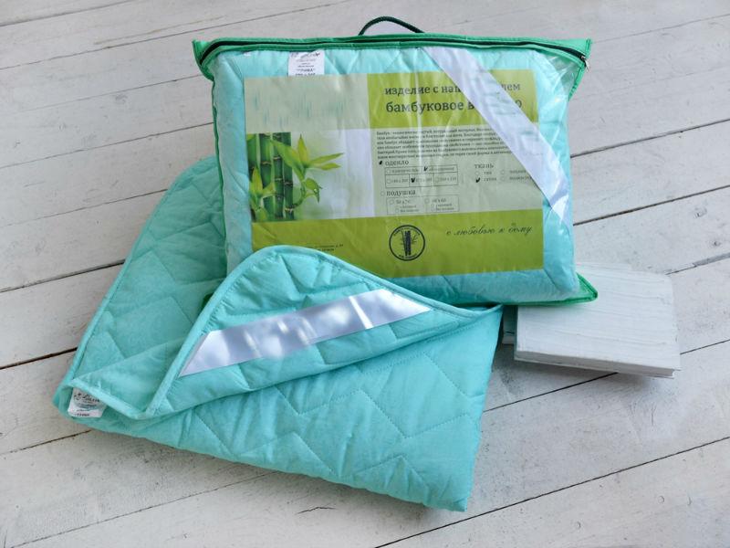 Одеяло облегченное Зимний сон (бамбук, сатин) 1,5 спальный (140*205)Бамбук<br>Не так просто подобрать одеяло на межсезонье и весенне-осенний период. Уже знакомы с этой проблемой? Тогда обратите внимание на облегченное одеяло Зимний сон из сатина и с бамбуком.<br>Сатин - материал, напоминающий шел, но отличающийся более дешевой ценой. Легкая и воздушная ткань гипоаллергенна, неприхотлива, отлично пропускает воздух и не нуждается в сверхсложном уходе. Бамбуковое волокно - экологичный и практически невесомый наполнитель, известный естественными антисептическими свойствами и оздоравливающим воздействием.<br>Облегченное и практичное одеяло Зимний сон - не только надежный и проверенный выбор, но и доступная цена.  Размер: 1,5 спальный (140*205)<br><br>Тип одеяла: Премиум<br>Принадлежность: Для дома<br>По назначению: Повседневные<br>Наполнитель: Бамбуковое волокно<br>Основной материал: Сатин<br>Страна - производитель ткани: Россия, г. Иваново<br>Вид товара: Одеяла и подушки<br>Материал: Сатин<br>Сезон: Весна - осень<br>Плотность: 150 г/кв. м.<br>Толщина одеяла: Облегченное (от 100 до 200 гр/кв.м)<br>Длина: 48<br>Ширина: 35<br>Высота: 13<br>Размер RU: 1,5 спальный (140*205)