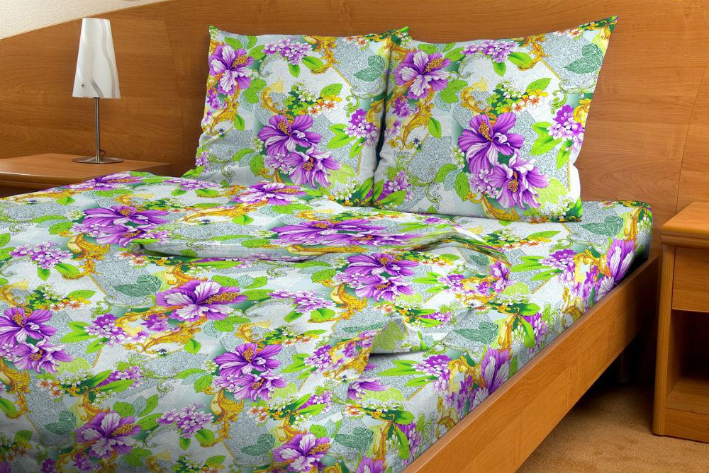 Постельное белье Валенсия зеленая GS (бязь) 1,5 спальныйЭКОНОМ<br>То, что мы видим перед тем, как лечь спать, имеет необыкновенную особенность врезаться в наши сны. И это является основательным поводом для того, чтобы засыпать в таком красивом и нежном постельном белье, как комплект Валенсия зеленая GS.   Расцветка данного постельного белья просто пестрит разнообразными цветами, которые, стоит отметить, выглядят очень реалистично, если на минуту забыть о том, что они - это всего лишь рисунок на ткани. Особую роль здесь сыграла и цветовая гамма, состоящая из самых насыщенных оттенков.   И если расцветка постельного белья Валенсия зеленая GS будет лишь настраивать вас на приятные сны, то комфорт ночью вам будет дарить его мягкая хлопковая текстура.   Внимание! При пошиве данного КПБ используется ткань шириной 150 см, поэтому в двуспальном комплекте простыня и пододеяльник являются сшивными, где к одному отрезку ткани пришивается другой отрезок (т.е. по центру изделия будет проходить шов). Это необходимо, чтобы получить нужные размеры для двуспального варианта. Размер: 1,5 спальный<br><br>Тип простыни: Со швом<br>Тип пододеяльника: Со швом<br>Производство: Производится про запас<br>Принадлежность: Для дома<br>Плотность КПБ: 105 гр/кв.м<br>Категория КПБ: Цветы и растения<br>По назначению: Повседневные<br>Рисунок наволочек: Расположение элементов расцветки может не совпадать с рисунком на картинке<br>Основной материал: Бязь<br>Страна - производитель ткани: Россия, г. Иваново<br>Вид товара: КПБ<br>Материал: Бязь<br>Сезон: Круглогодичный<br>Плотность: 105 г/кв. м.<br>Состав: 100% хлопок<br>Комплектация КПБ: Пододеяльник, простыня, наволочка<br>Длина: 37<br>Ширина: 26<br>Высота: 7<br>Размер RU: 1,5 спальный