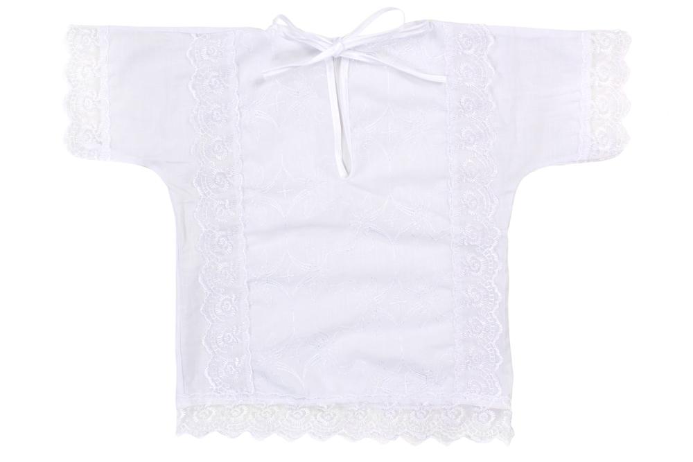 Рубашка крестильная Одуванчик (батист)Крестильные наборы<br>Батист - удивительно красивая ткань, изготавливаемая из натурального хлопкового волокна. Вещи, которые шьют из батиста, - это в основном легкая летняя одежда и одежда для маленьких детей.<br>Так, например, детская крестильная рубашка Одуванчик тоже сшита из батиста. Несмотря на то, что эта легкая модель полностью выполнена в белом цвете, она имеет достаточно красивый дизайн. Рубашка украшена шитьем, кружевом и вырезом, который завязывается на тонкие шнурочки.<br>Батистовая крестильная рубашка Одуванчик - модель, которая одинаково хорошо будет сидеть и на мальчике, и на девочке до года.  Размер: 24<br><br>Принадлежность: Детская одежда<br>Возраст: Младенец (0-12 месяцев)<br>Пол: Унисекс<br>Основной материал: Батист<br>Страна - производитель ткани: Россия, г. Иваново<br>Вид товара: Детская одежда<br>Материал: Батист<br>Длина: 18<br>Ширина: 12<br>Высота: 2<br>Размер RU: 24