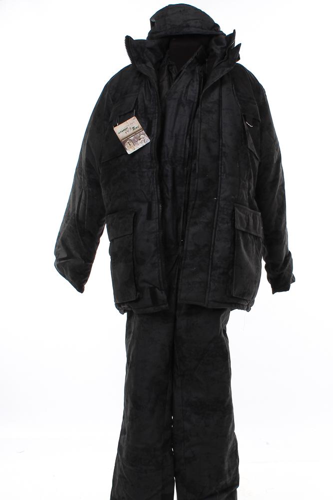 Костюм для охоты и рыбалки БуранДля охотников<br>Охота и рыбалка &amp;amp;mdash; эти серьезные мужские занятия требуют не менее серьезной подготовки. Особенно важно уделить внимание одежде, в которой планируется поездка. Показательным примером того, какой она должна быть, может стать костюм для охоты и рыбалки Буран.<br>Костюм состоит из куртки и полукомбинезона. Куртка прямого силуэта имеет удобную застежку-молнию и воротник стойку. Дополняет ее съемный утепленный капюшон, стягивающийся шнуром. Рукава дополнены подкладкой с трикотажными манжетами. Полукомбинезон имеет центральную застежку на молнии, задняя часть в области талии собрана на эластичную тесьму; костюм оснащен 11 карманами на обеих частях. Выполнен из водоотталкивающего синтетического материала алова, в качестве утепляющего материала &amp;amp;mdash; синтепон. Флисовая подкладка в куртке обеспечивает дополнительную защиту от холода.<br>Костюм для охоты и рыбалки Буран станет незаменимым в вашем хобби. Качество материала и пошива, удобство за счет оптимального фасона и обилия карманов, износостойкость и надежность &amp;amp;mdash; все этот вы получите по довольно привлекательной цене. Размер: 52-54<br><br>Подкладка: Флис<br>Утепляющий материал: Синтепон (куртка - 450 г/кв.м, полукомбинезон - 200 г/кв.м)<br>Количество карманов: 11<br>Принадлежность: Мужская одежда<br>Основной материал: Алова<br>Страна - производитель ткани: Россия, г. Родники<br>Вид товара: Одежда<br>Материал: Алова<br>Сезон: Зима<br>Тип застежки: Молния<br>Длина рукава: Длинный<br>Длина: 49<br>Ширина: 30<br>Высота: 25<br>Размер RU: 52-54