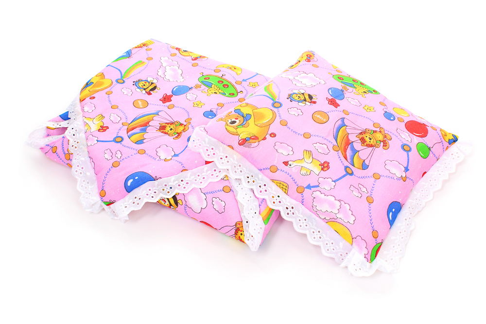 Набор в коляску (бязь)Наборы в кроватку, в коляску<br>Определиться с расцветкой Вы можете здесь<br>Если коляска - это вторая кроватка для малыша, в которой он проводит довольно много времени, то сделайте так, чтобы коляска стала для ребенка такой же удобной, как и его кроватка. А поможет вам в этом набор для коляски.<br> <br>Набор состоит из матраса (40х80), подушки (40х40) и одеяльца (80х80). Все элементы данного набора выполнены из качественной, мягкой и приятной на ощупь бязи, которая имеет милую расцветку, и украшены кружевом. Комплект отлично подходят под размеры стандартной детской коляски.<br> <br>Вы можете приобрести данный набор в детскую коляску в двух расцветках: для мальчика или для девочки.<br><br>Производство: Закупается про запас<br>Принадлежность: Детская одежда<br>Возраст: Младенец (0-12 месяцев)<br>Пол: Унисекс<br>Основной материал: Бязь<br>Страна - производитель ткани: Россия, г. Иваново<br>Вид товара: Детская одежда<br>Материал: Бязь<br>Длина: 30<br>Ширина: 20<br>Высота: 11