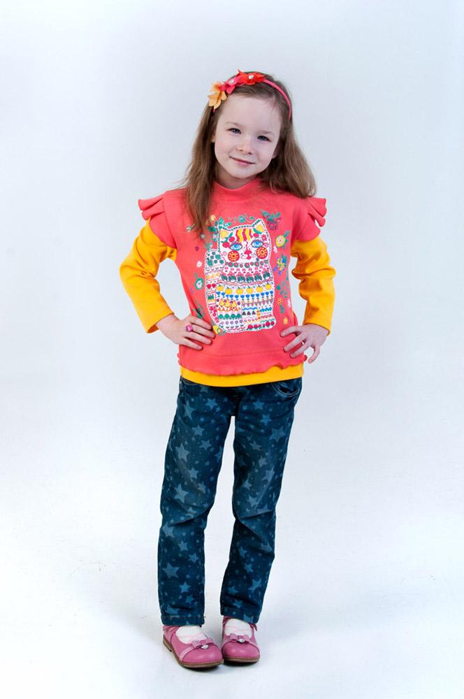 Джемпер ФонарикДжемперы<br>Девочки - самые нежные и милые существа, и, зная это, разве будете вы одевать свою маленькую дочурку в блеклую и совершенно некрасивую одежду? Конечно же, нет!<br>Детский джемпер Фонарик - прекрасная яркая модель, в которой ваша малышка будет выглядеть просто очаровательно! В расцветке использованы два насыщенных контрастных цвета и печать с медвежонком Тедди.<br>А сшит данный джемпер для девочки из мягкого интерлока, который позволяет телу дышать, не вызывает прения и не оставляет на коже неприятного ощущения раздражения. Помимо этого, интерлок стойко переносит стирки, сохраняя первоначальный внешний вид изделия. Размер: 26<br><br>Принадлежность: Детская одежда<br>Возраст: Дошкольник (1-6 лет)<br>Пол: Девочка<br>Основной материал: Интерлок<br>Страна - производитель ткани: Россия, г. Иваново<br>Вид товара: Детская одежда<br>Материал: Интерлок<br>Длина: 18<br>Ширина: 12<br>Высота: 2<br>Размер RU: 26