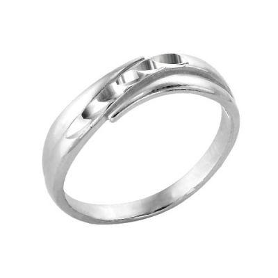 Кольцо бижутерия 2405288-5Бижутерия<br>Артикул  2405288 5<br>Покрытие  серебрение с оксидированием<br>Размерный ряд  16,5-19,5 Размер: 17.5<br><br>Принадлежность: Драгоценности<br>Основной материал: Бижутерный сплав<br>Вид товара: Бижутерия<br>Материал: Бижутерный сплав<br>Покрытие: Серебрение с оксидированием<br>Вставка: Без вставки<br>Габариты, мм (Длина*Ширина*Высота): 21*6<br>Длина: 5<br>Ширина: 5<br>Высота: 3<br>Размер RU: 17.5