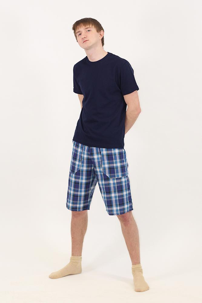 Шорты мужские ЛеонидШорты<br>Постепенно жаркое лето возьмет свое, и придется сменить удобные повседневные брюки или джинсы на что-то полегче. С мужскими шортами Леонид не придется тратить время на мучительный выбор, ведь они уже сочетают в себе оптимальные характеристики, аккуратный внешний вид и доступную цену.<br>Качественный трикотаж не боится регулярных стирок, что немаловажно для повседневных вещей. Он не садится, не блекнет, практически не мнется, сохраняет первоначальную форму и товарный вид. Такая одежда долго выглядит новой. Ткань отлично вентилируется и не липнет к телу.<br>Мужские шорты Леонид, представленные в разных размерах - достойное пополнение гардероба.<br> Размер: 64<br><br>Принадлежность: Мужская одежда<br>Основной материал: Трикотаж<br>Страна - производитель ткани: Россия, г. Иваново<br>Вид товара: Одежда<br>Материал: Трикотаж<br>Сезон: Лето<br>Длина: 11<br>Ширина: 7<br>Высота: 7<br>Размер RU: 64