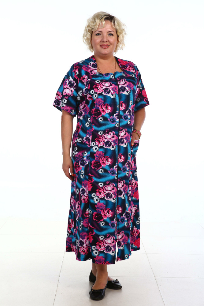 Халат женский ЮлькаЛегкие халаты<br>В домашней одежде мы проводим порой гораздо больше времени, чем в той, что одеваем, выходя из дому. Если это так, то почему же к выбору домашней одежды мы относимся пренебрежительно?!<br>Ведь в нашем каталоге домашней одежды для всей семьи вы сможете найти множество красивых моделей достойного качества. Например, женский домашний халат Юлька! Данный халат сшит из кулирки, которая на 80% состоит из натурального хлопкового волокна. Модель имеет симпатичный дизайн и яркую расцветку.<br>Со временем вы также оцените практичность и удобство данного изделия, потому что комфортнее этого халата просто быть ничего не может! Размер: 72<br><br>Принадлежность: Женская одежда<br>Основной материал: Кулирка<br>Страна - производитель ткани: Россия, г. Иваново<br>Вид товара: Одежда<br>Материал: Кулирка<br>Сезон: Лето<br>Состав: 80% хлопок, 20% полиэстер<br>Длина рукава: Короткий<br>Длина: 19<br>Ширина: 17<br>Высота: 9<br>Размер RU: 72