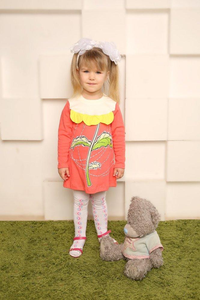 Платье ЦветокПлатья<br>Размер: 32<br><br>Принадлежность: Детская одежда<br>Возраст: Дошкольник (1-6 лет)<br>Пол: Девочка<br>Основной материал: Интерлок<br>Вид товара: Детская одежда<br>Материал: Интерлок<br>Длина: 19<br>Ширина: 12<br>Высота: 5<br>Размер RU: 32