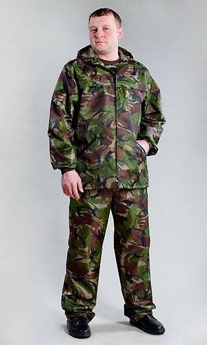 Костюм влагозащитный Альфа (зеленый КМФ)Для рыболовов<br>Охота и рыбалка - наверно, одни из самых лучших мужских развлечений, особенно если вас все время не мучает дискомфорт. Но его очень легко можно избежать, если заранее позаботиться о покупке влагозащитного костюма.  Мужской влагозащитный костюм Альфа подойдет представителю сильного пола с размером одежды 44-62; он сшит из смесовых тканей и имеет очень плотную текстуру, поэтому сомневаться в качестве и износостойкости данного костюма не стоит. Состоит же он из брюк прямого кроя и куртки с капюшоном.   Мужской влагозащитный костюм Альфа будет защищать вас во время долгих лесных вылазок и даже не позволит вам хоть на минуту почувствовать себя некомфортно!   Размер: 52-54<br><br>Высота: 8<br>Размер RU: 52-54