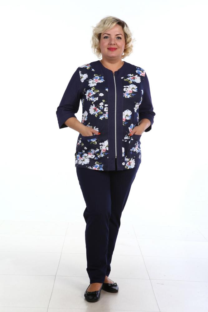 Брюки женские ДжинсБрюки<br>Джинсы, безусловно, выглядят очень стильно, а сколько оригинальных и модных образов можно составить с ними! Но, к сожалению, джинсы из-за своей плотной ткани не всегда удобны в носке, особенно в теплое время.   Отличная альтернатива джинсам - женские брюки Джинс, выполненные из мягкой и довольно эластичной ткани - тренди. Брюки имеют зауженную форму и совершенно не отличаются от популярных джинсовых дудочек. При этом брюки украшены декоративной стройкой под карманы спереди и имеют два кармана сзади.   Брюки Джинс не сковывают движений и позволяют вам двигаться так свободно и легко, как еще не позволяла вам двигаться ни одна другая одежда!  <br>Длина по боковому шву 105-107 см, по шаговому 83-85 см.<br> <br>  Размер: 46<br><br>Принадлежность: Женская одежда<br>Основной материал: Футер<br>Страна - производитель ткани: Россия, г. Иваново<br>Вид товара: Одежда<br>Материал: Футер<br>Сезон: Весна - осень<br>Состав: 80% хлопок, 20% полиэстер<br>Длина: 19<br>Ширина: 17<br>Высота: 9<br>Размер RU: 46