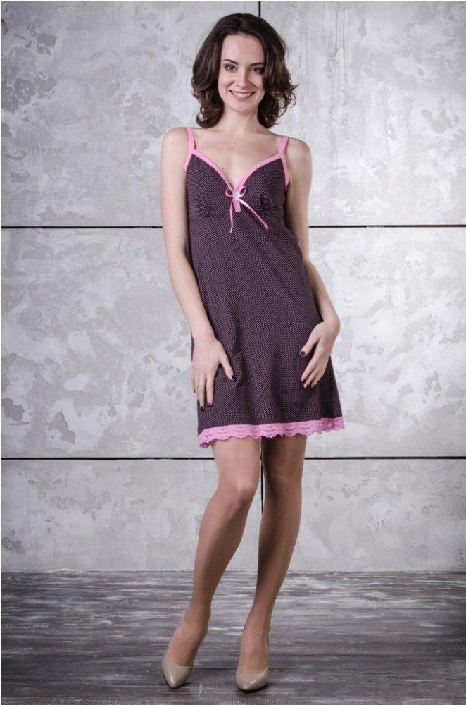 Ночная сорочка ТринитиСорочки и ночные рубашки<br>Красота и ощущение привлекательности - секрет уверенности в себе каждой женщины, независимо от возраста. Помочь оставаться неотразимой даже дома может ночная сорочка Тринити.<br>Материал - кулирка, особенность которой в сочетании тонкого плетения с отменной прочностью. Специальная технология изготовления делает ткань воздушной, невесомой, легкой. Она отлично подходит даже для пошива детской одежды, обладая нежностью и будучи приятной телу.<br>Неоспоримое преимущество ночной сорочки Тринити - изысканный силуэт. Короткая, изящная сорочка на бретелях украшена элегантной окантовкой и кокетливым бантиком.  Размер: 54<br><br>Принадлежность: Женская одежда<br>Основной материал: Кулирка<br>Страна - производитель ткани: Россия, г. Иваново<br>Вид товара: Одежда<br>Материал: Кулирка<br>Состав: 100% хлопок<br>Длина рукава: Без рукава<br>Длина: 18<br>Ширина: 12<br>Высота: 7<br>Размер RU: 54