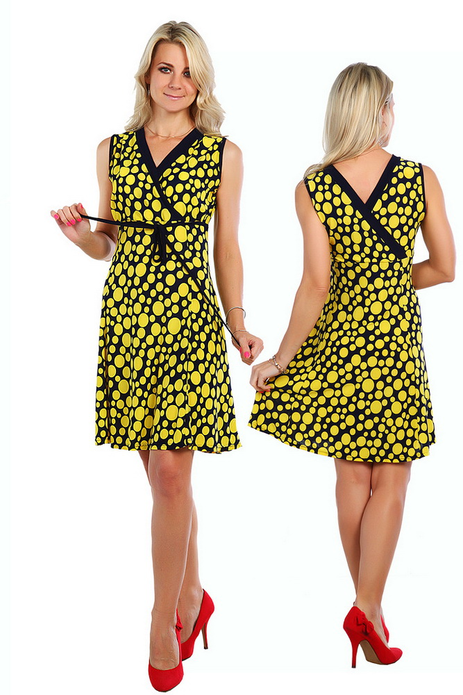 Платье женское ПьереттаПлатья<br>Предпочитаете необычные и оригинальные вещи? Ваш гардероб наполнен нестандартными дизайнерскими решениями? Тогда обратите внимание на женское платье Пьеретта.<br>Вискоза - относительно новый, но уже очень популярный материал. Она хороша для пошива повседневных и нарядных вещей. Среди преимуществ - воздухопроницаемость, гипоаллергенность, безопасность, формостойкость и устойчивость цвета. Вискоза хорошо окрашивается и долго не выцветает. По своим характеристикам она превосходит традиционные синтетические материалы.<br>Красочное и необычное, женское платье Пьеретта отличается еще и невысокой ценой. Порадуйте себя яркой покупкой на предстоящее лето! Размер: 52<br><br>Принадлежность: Женская одежда<br>Основной материал: Вискоза<br>Страна - производитель ткани: Россия, г. Иваново<br>Вид товара: Одежда<br>Материал: Вискоза<br>Состав: 100% вискоза<br>Длина рукава: Без рукава<br>Длина: 18<br>Ширина: 12<br>Высота: 7<br>Размер RU: 52