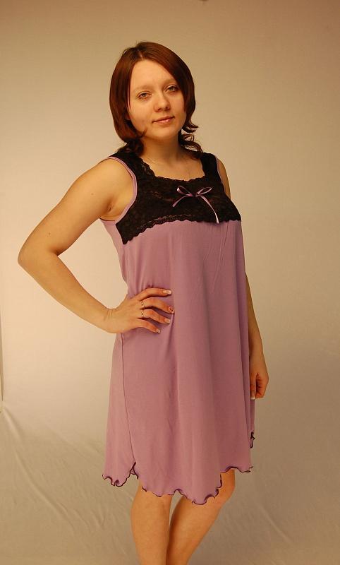 Ночная сорочка ИльфираСорочки и ночные рубашки<br>Яркая и удобная сорочка - это то, что обязательно должно присутствовать в гардеробе молодой стильной девушки. И если вы еще определились, для вас такой сорочкой с легкостью может стать модель Ильфира, представленная в нашем каталоге женской одежды.<br>Изделие изготовлено из вискозы, мягкой синтетической ткани, которая изготавливается на основе целлюлозы. Именно благодаря этому вискоза считается одним из самых безопасных материалов. Сорочка имеет простой, но изящный фасон. Широкие бретели и длина до колена делает ее оптимальным вариантом для ночной одежды. Изюминку вещи придает кружевная вставка на груди и фигурный низ.<br>Женская ночная сорочка Ильфира представлена в широком размерном ряду, что позволит выбрать модель точно по фигуре, а доступная цена не сможет не порадовать вас! Размер: 50<br><br>Высота: 7<br>Размер RU: 50