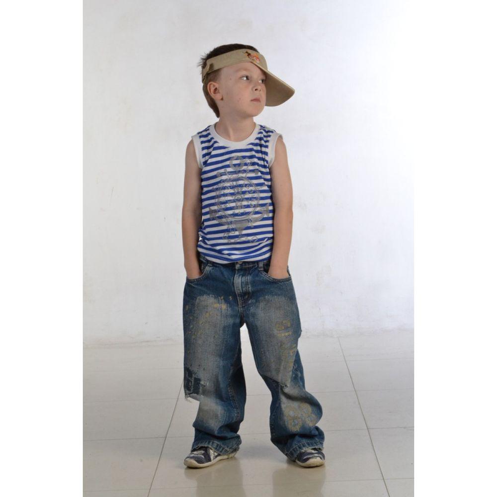 Майка для мальчика ТельняшкаМаечки<br>Принт в горизонтальную сине-белую полоску уже долгое время не теряет своей актуальности а, наоборот, даже становится все более популярным. И вряд ли сегодня можно найти человека, в чьем гардеробе не было бы вещи с таким узором.<br>И поверьте, что и ваш маленький малыш будет рад носить теплым летом майку Тельняшка, выполненную в подобном стиле. Морской узор и принт, конечно, будет первым, что вы заметите и с достоинством оцените в данной модели, но вы также не забудете обратить внимание и на высокое качество детской майки.<br>А привлекательно низкая стоимость модели Тельняшка пусть станет для вас лишь лишним поводом для того, чтобы порадовать ею своего малыша!<br>  Размер: 26<br><br>Принадлежность: Детская одежда<br>Возраст: Младший школьный возраст (7-10 лет)<br>Пол: Мальчик<br>Основной материал: Кулирка<br>Страна - производитель ткани: Россия, г. Иваново<br>Вид товара: Детская одежда<br>Материал: Кулирка<br>Состав: 100% хлопок<br>Длина: 18<br>Ширина: 12<br>Высота: 2<br>Размер RU: 26
