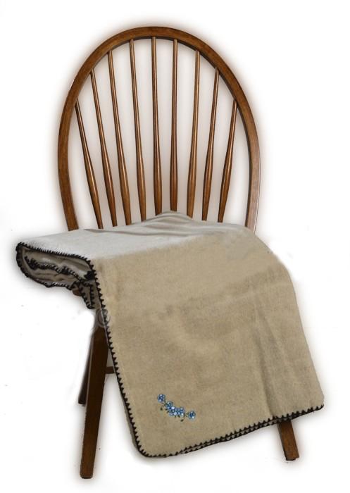 Одеяло шерстяное Лепесток 2 спальный (172*205)Шерсть<br>Размер: 2 спальный (172*205)<br><br>Высота: 15<br>Размер RU: 2 спальный (172*205)