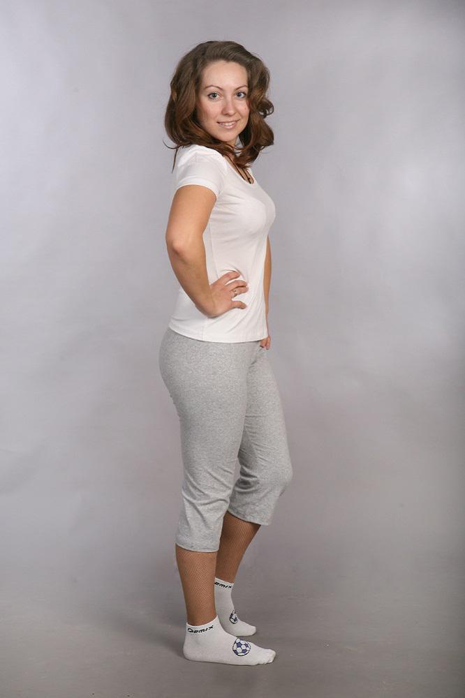 Бриджи женские СпортБриджи<br>Модель обтягивающая. Низ на подгибке, верх на резинке шириной 25 мм. Размер: 42<br><br>Высота: 5<br>Размер RU: 42