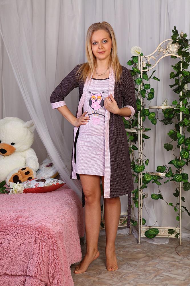 Комплект женский СовушкаНочные комплекты<br>Любите ли вы больше женственные халатики или предпочитаете удобные пижамы - это все станет неважно, когда вы увидите женский комплект Совушка, который полностью и бесповоротно очарует вас!   В составе данного женского комплекта вы обнаружите приталенную укороченную ночную сорочку и такой же укороченный халатик. Оба изделия сшиты из приятной телу ткани, кулирки, и могут похвастаться не только мягкой текстурой, но и довольно высокой износостойкостью и устойчивостью перед потерей формы и цвета после носки и стирки.   Что же касается расцветки комплекта Совушка, то выполнена она в гармонично сочетающихся тонах, а принт с совенком на сорочке покажется вам очень милым. <br>Длина изделия<br>44 размер: сорочка (без лямок) - 68 см; халат - 86 см. Размер: 48<br><br>Принадлежность: Женская одежда<br>Основной материал: Кулирка<br>Страна - производитель ткани: Россия, г. Иваново<br>Вид товара: Одежда<br>Материал: Кулирка<br>Длина: 25<br>Ширина: 17<br>Высота: 9<br>Размер RU: 48