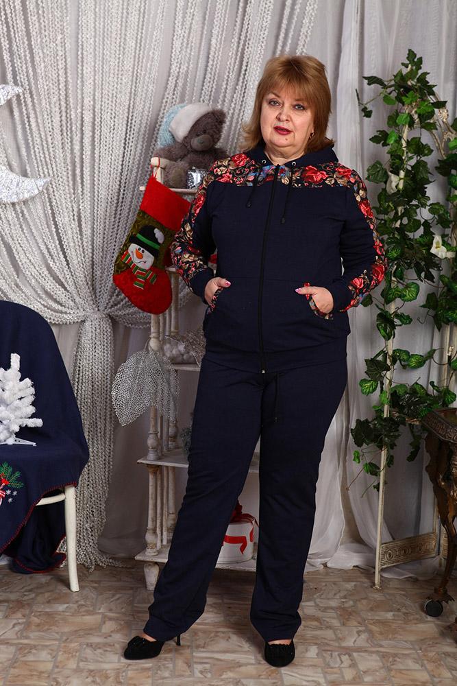 Костюм женский РомариоЗимние костюмы<br>Отсутствие чувства комфорта мешает женщине чувствовать себя уверенно, а потому следует помнить, что в одежде важен не только ее дизайн, но и фасон, который может сделать вещь как очень удобной в носке, так и наоборот.   Что же касается женского костюма Ромарио, то в его комфортабельности даже не стоит сомневаться, и сейчас вы узнаете, почему. Во-первых, костюм имеет крой, благодаря которому вы не будете чувствовать стеснения в движении. А во-вторых, модель сшита из мягкого футера, состоящего из стопроцентного хлопка, чтобы ваше тело не чувствовало раздражения или натирания, а также всегда дышало.   При этом женский костюм Ромарио имеет довольно элегантный дизайн, который проявляется в насыщенно-черной расцветке и вставках с флоральным принтом. Размер: 52<br><br>Высота: 11<br>Размер RU: 52