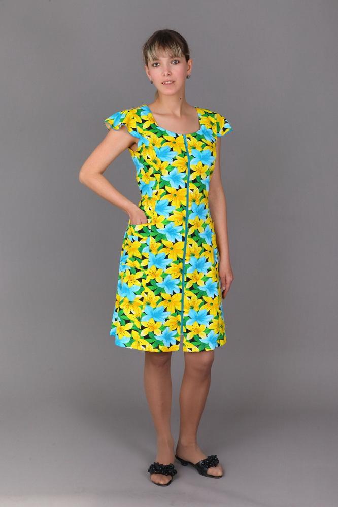 Халат женский ВикаЛегкие халаты<br>Ничто не делает одежду такой нежной и женственной, как цветочный принт. И проверить это вы можете на примере женского халата Вика!   Однако в нем вы оцените не только использование флоральной тематики в дизайне, но и сочную цветовую гамму, в которой этот принт и выполнен. Более того, стоит отметить то, что расцветка обладает высокой стойкостью, а потому ее насыщенность сохранится на долгое время после покупки: не повлияет на нее ни долгая носка, ни частые стирки.   Также халат Вика имеет элегантный фасон с выделенной линией талии, расклешенной юбкой длиной до колен и рукавами-крылышками.  Размер: 50<br><br>Принадлежность: Женская одежда<br>Основной материал: Кулирка<br>Вид товара: Одежда<br>Материал: Кулирка<br>Длина рукава: Короткий<br>Длина: 19<br>Ширина: 17<br>Высота: 9<br>Размер RU: 50