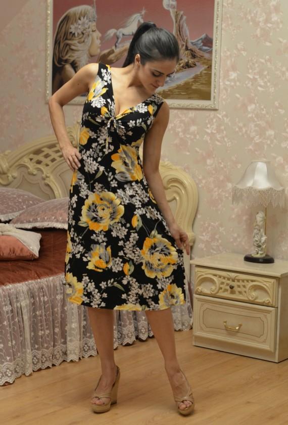 Платье женское ЗофиПлатья<br>Размер: 50<br><br>Принадлежность: Женская одежда<br>Основной материал: Вискоза<br>Страна - производитель ткани: Россия, г. Иваново<br>Вид товара: Одежда<br>Материал: Вискоза<br>Длина рукава: Без рукава<br>Длина: 18<br>Ширина: 12<br>Высота: 7<br>Размер RU: 50