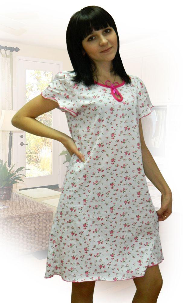 Ночная сорочка КлараСорочки и ночные рубашки<br>Хотите подобрать женственную и практичную одежду для сна? Любите простые, но функциональные вещи с приятным дизайном?<br>Присмотритесь к ночной сорочке Клара, сочетающей в себе перечисленные свойства! Свободная и изящная, она шьется из легкой, воздушной кулирки пастельных тонов. Такая ткань пропускает воздух, не парит, не путается и не стесняет движений. Она неприхотлива в уходе и сохраняет изначальный вид и форму долгое время.<br>Привлекательности ночной сорочке Клара придает кокетливое оформление. Мягкая и уютная, она станет незаменимым помощником для здорового, комфортного ночного сна.<br>Ночные сорочки, интернет-магазин которые реализует по низким ценам, это мягкие, уютные и элегантные вещи для здорового сна.<br>Силуэт: свободный <br>Длина изделия.<br>48 размер: 93 см. Размер: 48<br><br>Принадлежность: Женская одежда<br>Основной материал: Кулирка<br>Страна - производитель ткани: Россия, г. Иваново<br>Вид товара: Одежда<br>Материал: Кулирка<br>Длина рукава: Короткий<br>Длина: 18<br>Ширина: 12<br>Высота: 7<br>Размер RU: 48