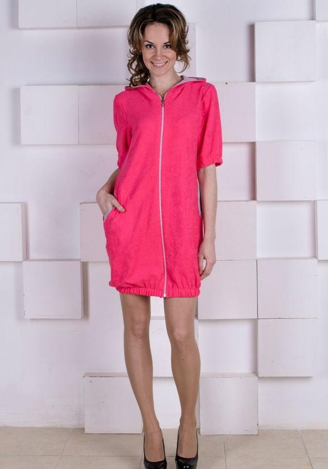 Халат женский ЭленаТеплые халаты<br>Надоели скучные бесформенные халаты с непонятными узорами? Ищите ярких и неординарных решений для своей домашней одежды? Тогда женский халат Элена - это то, что вам нужно.<br>Модель представляет собой молодежный стильный халат на молнии. Особенность фасона заключается в его простом крое, удобном рукаве и сборке на манеру тюльпан по низу. Кроме того, изделие дополнено удобными накладными карманами и капюшоном. Выполнен халат из качественной петельчатой махры с отделкой из интерлока. Благодаря высокой воздухопроницаемости и легким массажным свойствам халат прекрасно носится, не вызывая никакого дискомфорта.<br>Женский халат Элена представлен в двух цветовых вариациях и в широком размерном ряду, что позволит вам выбрать модель по индивидуальным параметрам. Приемлемая цена &amp;amp;mdash; еще одно приятное качество данного халата. Размер: 50<br><br>Принадлежность: Женская одежда<br>Основной материал: Махра<br>Страна - производитель ткани: Россия, г. Иваново<br>Вид товара: Одежда<br>Материал: Махра<br>Тип застежки: Молния<br>Состав: 100% хлопок<br>Длина рукава: Короткий<br>Длина: 25<br>Ширина: 20<br>Высота: 9<br>Размер RU: 50