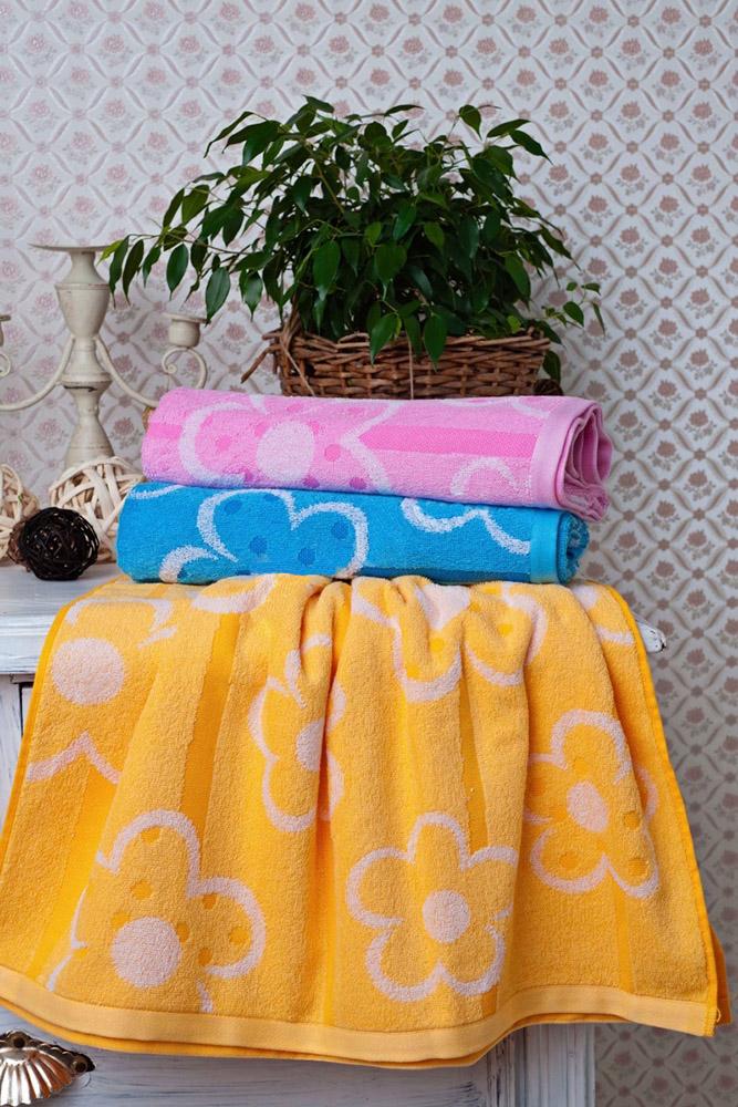 Полотенце Фантазия 65х135Банные полотенца<br>Люди, которые находятся в окружении ярких вещей, большую часть времени пребывают в хорошем настроении и чаще улыбаются. Вот почему мы хотим представить вам яркие полотенца Фантазия!<br>Среди трех ярких и насыщенных расцветок - розовой, голубой и желтой - вы обязательно найдете ту, что понравится вам больше всего. Кроме того, вас будет радовать не только радужный дизайн полотенец, но и их свойства: например, прочность и способность сохранять цвет после многочисленных стирок и глажений.<br>На выбор покупателя полотенца Фантазия представлены не только в различных расцветках, но и в нескольких размерах. Размер: 65х135<br><br>Высота: 8<br>Размер RU: 65х135