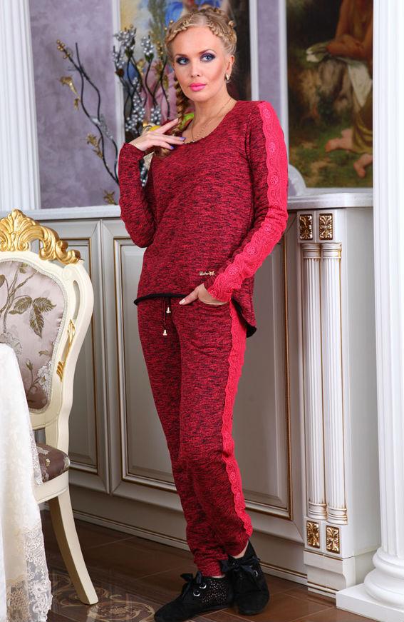 Костюм женский МартинаЗимние костюмы<br>Удобный стильный костюм из натуральной ткани.<br>Костюм не требует особого ухода, не деформируется. Стирать при температуре не более 40 градусов на деликатном режиме. Размер: 44<br><br>Принадлежность: Женская одежда<br>Комплектация: Брюки, кофта<br>Основной материал: Футер<br>Вид товара: Одежда<br>Материал: Футер<br>Состав: 100% хлопок<br>Длина: 30<br>Ширина: 20<br>Высота: 11<br>Размер RU: 44