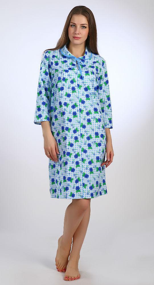Ночная сорочка СараСорочки и ночные рубашки<br>Сон это далеко не то самое время, когда мы не совершаем никаких движений и лежим в одной и той же позе. Даже во сне мы двигаемся, и, естественно, наше тело чувствует всякие стеснения, создаваемые одеждой, в которой мы спим.<br>Именно поэтому ночная сорочка Сара имеет свободный, но в то же время довольно женственный фасон, который не только позволяет вам свободно двигаться во время сна, но при этом чувствовать себя красивой. У сорочки удобные рукава на три четверти, круглый отложенный воротник, кокетка на полочке.<br>Кроме того, ночная сорочка Сара отличается превосходным качеством, при том, что цена невероятно привлекательна - перед ней вы точно не устоите!<br>Длина изделия<br>60 размер - 109 см.<br>  Размер: 56<br><br>Высота: 7<br>Размер RU: 56