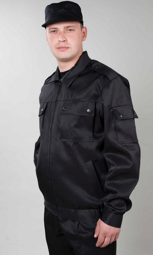 Костюм охранника СтражДля охранников<br>Костюм Страж чёрный состоит из куртки и брюк. Куртка укороченная, с центральной застежкой на тесьму-молнию, с нижними прорезными и верхними накладными карманами, с клапанами, рукав втачной, длинный, на манжете. Низ куртки на притачном поясе, по бокам стянут на эластичную тесьму. Брюки прямые на притачном поясе со шлевками, с центральной застежкой на тесьму-молнию, карманами с отрезным бочком и задним прорубным карманом с клапаном. По бокам регулируется патами, застегивающимися на петлю и пуговицы. Размер: 44-46<br><br>Высота: 8<br>Размер RU: 44-46