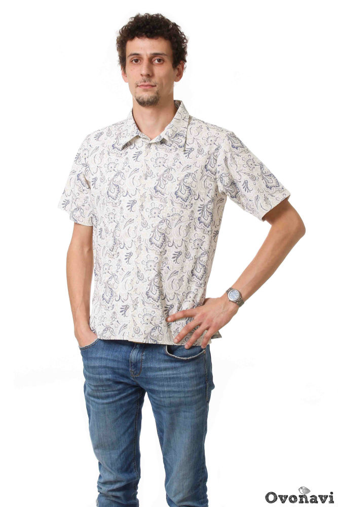 Рубашка льняная БорисРубашки<br>Рубашек в мужском гардеробе не бывает много. Это вид одежды универсален &amp;amp;mdash; с его помощью можно создавать и повседневные, и неформальные и даже праздничные образы. Поэтому важно подобрать несколько моделей, предназначенных для разных случаев. Одна из таких моделей &amp;amp;mdash; мужская рубашка Борис.<br>Рубашка сшита из льняного полотна, гладкого, мягкого и натурального. О замечательных качествах льняной ткани знает, пожалуй, каждый. Она не только приятна к телу, но и оказывает легкое оздоравливающее воздействие на кожу. В жаркую погоду льняные изделия &amp;amp;mdash; лучший выбор, поскольку ткань хорошо пропускает воздух и впитывает влагу, создавая ощущение прохлады и свежести. Лен прочен, износостоек и очень удобен в носке.<br>Фасон модели классический: средняя длина, короткий рукав, отложной воротник и практичный кармашек слева. Расцветки представлены в нескольких вариантах: на выбор предлагаются изящный растительный принт и классический принт пейсли. Рисунки выполнены в темных тонах, контрастно подчеркивающих естественный цвет льяной ткани. Такая рубашка отлично подойдет как для простой прогулки, так и для встречи с друзьями или небольшого торжества.<br>Мужская рубашка Борис представлена не только в разнообразии расцветок, но также и в широком размерном ряде, который позволит подобрать необходимую модель. Но главное &amp;amp;mdash; это высокое качество, которое вы получите по вполне приемлемой цене. Размер: 58, Бежевый<br><br>Производство: Производится про запас<br>Принадлежность: Мужская одежда<br>Основной материал: Лен<br>Страна - производитель ткани: Россия, г. Иваново<br>Вид товара: Одежда<br>Материал: Лен<br>Обработка: Отстрочка; шов вподгибку с обметанным срезом по рукавам и низу<br>Тип рукава: Втачной<br>Тип застежки: Пуговицы<br>Другие особенности: Накладной фигурный карман<br>Тип воротника: Стояче-отложной, с отрезной стойкой<br>Длина рукава: Короткий<br>Длина: 18<br>Ширина: 12<br>Высота: 7<br>Размер RU: 58,