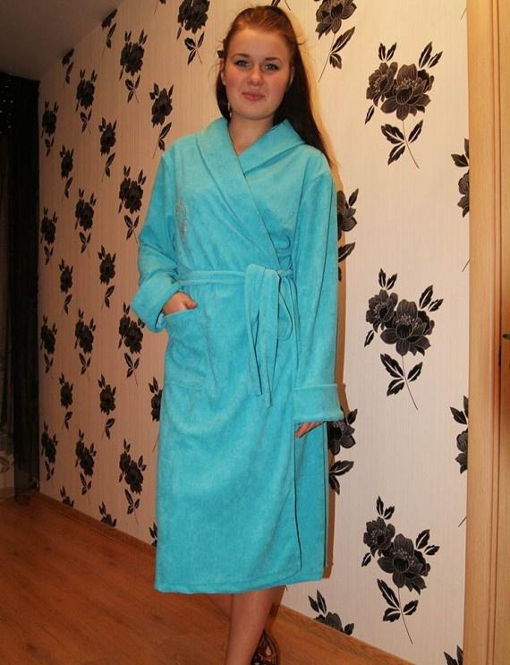 Халат женский ОхнаТеплые халаты<br>Большой махровый халат, в который можно полностью укутаться и насладиться его теплом, - согласитесь, вы бы тоже хотели иметь такой? Что ж, спешим представить вам подходящий вариант &amp;amp;mdash; женский халат Охна.<br>Модель представляет собой традиционный махровый халат, в составе материала, из которого он сшит, - хлопок, что делает изделие практичнее его собратьев из более тонкой ткани. Халат выполнен в классическом запашном фасоне, имеет среднюю длину, длинные рукава и пояс. Расцветки представлены в нескольких вариациях на выбор, а широкий размерный ряд дает возможность без проблем подобрать подходящую модель.<br>Вы будете рады, что не прошли мимо халата Охна, когда наденете его после принятия ванны или в холодную осеннюю или зимнюю погоду, уютно устроившись в кресле с чашкой ароматного чая. Размер: 52<br><br>Принадлежность: Женская одежда<br>Основной материал: Махра<br>Страна - производитель ткани: Россия, г. Иваново<br>Вид товара: Одежда<br>Материал: Махра<br>Состав: 100% хлопок<br>Длина рукава: Длинный<br>Длина: 30<br>Ширина: 20<br>Высота: 11<br>Размер RU: 52