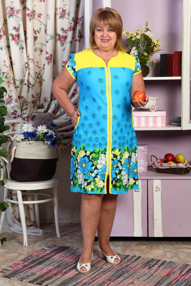 Халат женский КлараЛегкие халаты<br>Можно всю свою жизнь провести в поисках идеального халата, а в конце понять, что твои поиски не увенчались успехом - а можно просто зайти на сайт нашего интернет-магазина и обнаружить на нем грандиозный выбор самых различных халатов!<br>Например, женский халат Клара. Эта элегантная модель привлекает к себе внимание за счет своей яркой насыщенной расцветки, в которой гармонично сплелись различные принты и однотонные вставки на полочках и у карманов. Причем, женский халат Клара имеет три различных цветовых варианта.<br>Модель отличается и практичностью, ведь у нее имеется довольно удобный фасон, который позволяет вам чувствовать себя комфортно во время выполнения различных дел по дому.  Размер: 52<br><br>Принадлежность: Женская одежда<br>Основной материал: Кулирка<br>Страна - производитель ткани: Россия, г. Иваново<br>Вид товара: Одежда<br>Материал: Кулирка<br>Сезон: Лето<br>Тип застежки: Молния<br>Состав: 100% хлопок<br>Длина рукава: Короткий<br>Длина: 19<br>Ширина: 17<br>Высота: 9<br>Размер RU: 52
