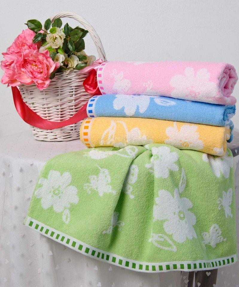 Полотенце Весенняя полянка 50х90Банные полотенца<br>Домашний текстиль - вот что нужно выбирать с особой тщательностью, ведь именно предметы, относящиеся к данной категории, могут сделать дом уютнее, а вам - подарить комфорт.  Например, полотенце Весенняя полянка добавит в вашу ванную комнату (или кухню) немного весеннего настроения, а вы будете наслаждаться его мягкостью и приятной расцветкой! В составе полотенца - натуральное хлопковое волокно, подарившее изделию ряд следующих качеств: гигроскопичность, гипоаллергенность и др.  И еще одно качество, которым обладает полотенце Весенняя полянка, в отличие от многих других, - это приятная цена! Размер: 50х90<br><br>Принадлежность: Для дома<br>По назначению: Повседневные<br>Основной материал: Махра<br>Страна - производитель ткани: Sunvim Co. Ltd., Китай.<br>Вид товара: Полотенца<br>Материал: Махра<br>Плотность: 350 г/кв. м.<br>Состав: 100% хлопок<br>Длина: 19<br>Ширина: 16<br>Высота: 8<br>Размер RU: 50х90