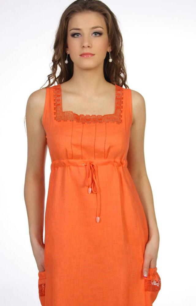 Льняное платье ИветтаПлатья<br>Платье выполнено из 100% льна. <br>Линия талии завышена и собрана на шнурок.<br>Низ платья собран аналогично на шнуровку, которую, по желанию, можно не собирать.<br>Вырез горловины «каре» и карман оформлены вышивкой по «рефети» - сетка.<br>Верх кармана собран на резинку.<br>Шнурок выполнен из этой же ткани с бубенчиками на концах. <br>Длина по спинке : 86 см<br><br>Полуобхват груди под проймой : 45 см<br><br>Полуобхват бедер : 53 см Размер: 48<br><br>Длина платья: Миди<br>Принадлежность: Женская одежда<br>Основной материал: Лен<br>Страна - производитель ткани: Россия, г. Пучеж<br>Вид товара: Одежда<br>Материал: Лен<br>Длина: 19<br>Ширина: 17<br>Высота: 9<br>Размер RU: 48